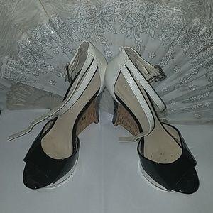 Sleek&Strappy Black&White Wedges